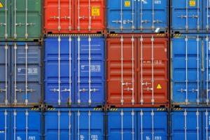 海上・陸路・輸出入の輸送に